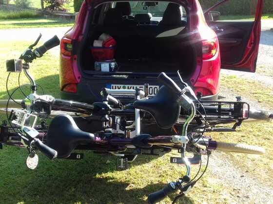 Abnehmbare AHK + Thule Fahrradträger