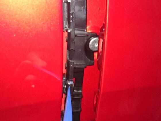 Anhängekupplung MVG 0968_A_Kadjar_Fotos Demontage Montage Hilfe