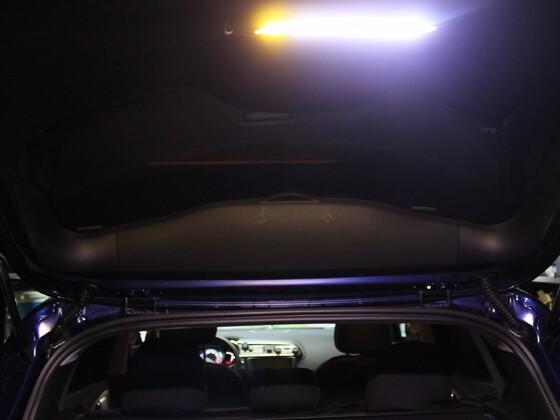 Kofferklappe auf jetzt schön hell bis auf den Boden LED Hochleistungstreifen