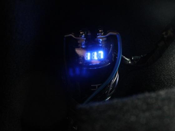 der Kondensator für den Subwofer damit die Spannung stabil bleibt