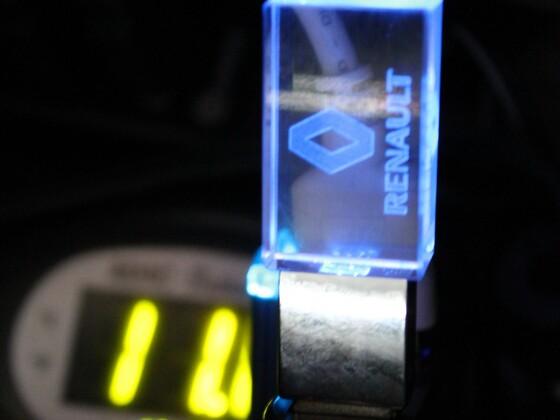 noch ein kleiner niedlicher Helfer, warte noch auf den richtigen USB Winkel dann ist er um 90 Grad gedreht