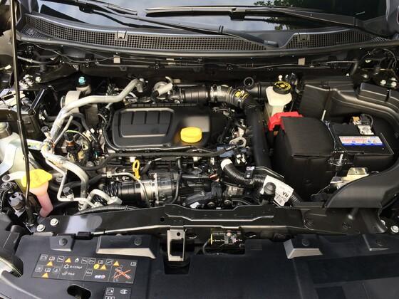 Neuer Katjar, Bose Edition, schwarz, Winterpaket, beleuchtete Einstiegsleisten, Beleuchtete Seitenschweller, Winter Paket, Protection Paket.